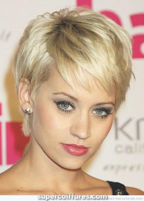 15 meilleures coiffures courtes pour les cheveux épais