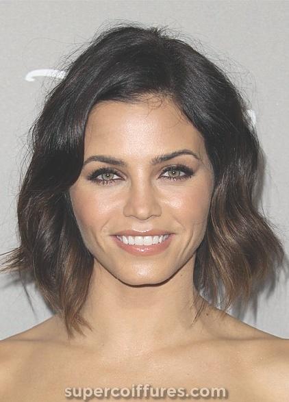 25 coupes de cheveux moyennes charmantes et les plus chaudes pour votre inspiration