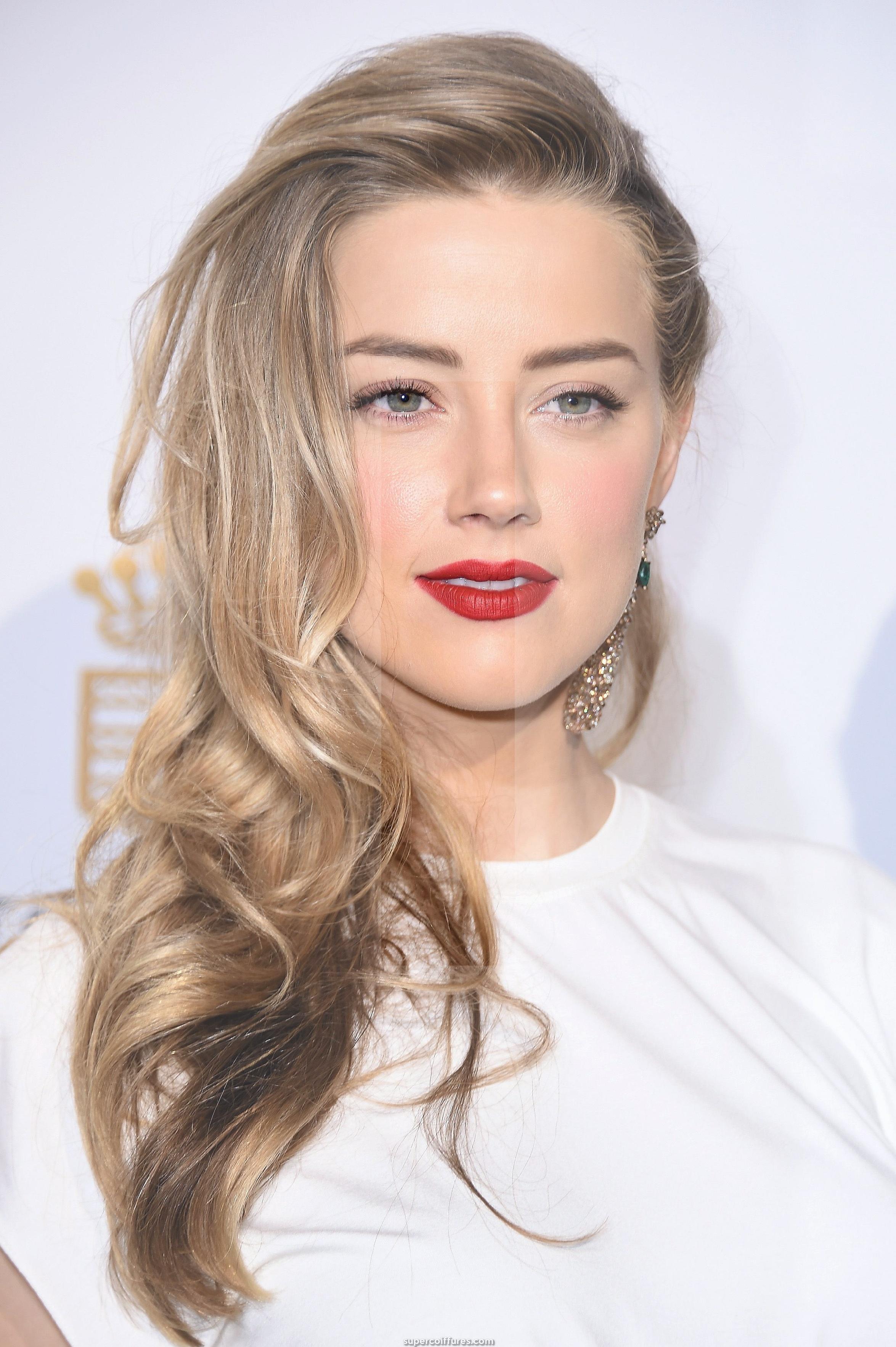 30 idées de cheveux blonds sales pour que les femmes soient attrayantes