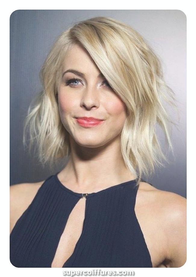 Les coiffures des femmes cogne les cheveux longs