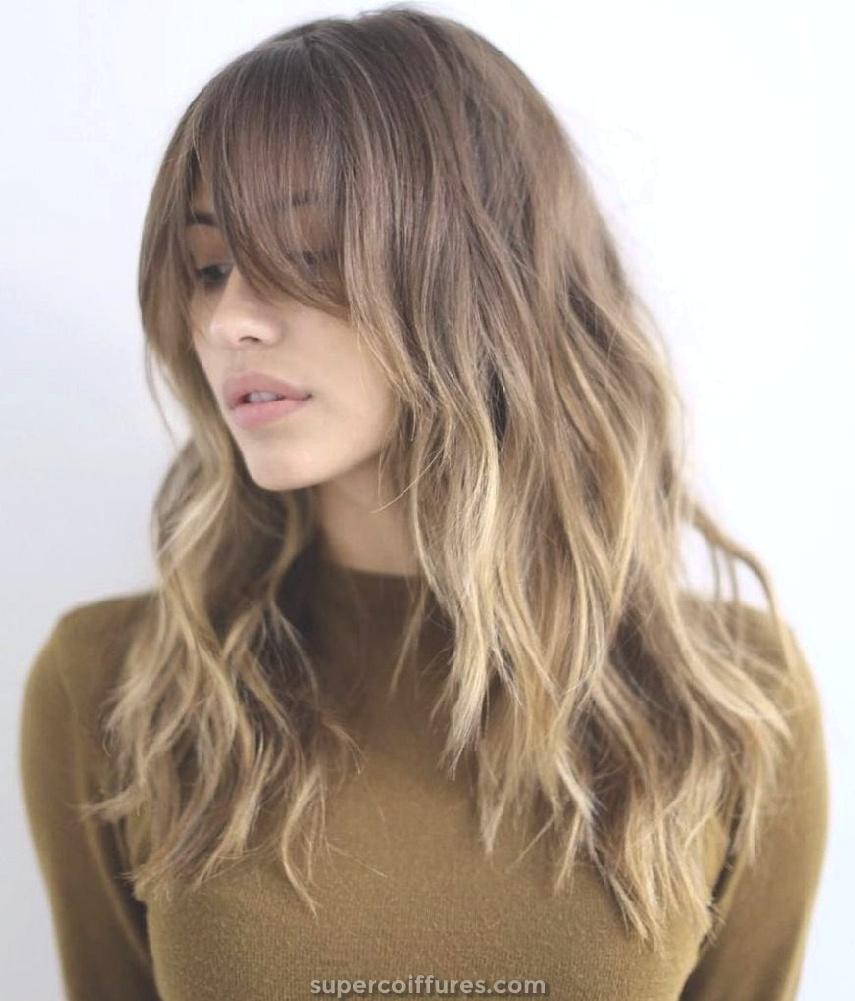 30+ coupes de cheveux polyvalentes Bang pour cheveux mi-longs