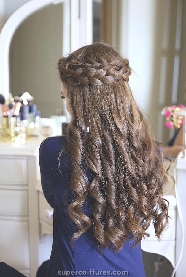 25 plus élégantes coiffures de mariage bouclés