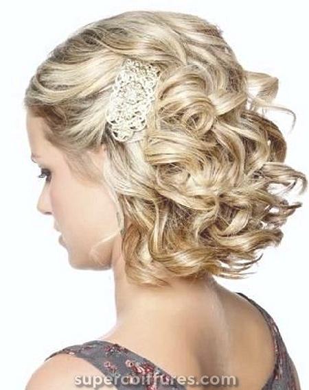 21 coiffures de bal des plus glamour pour améliorer votre beauté