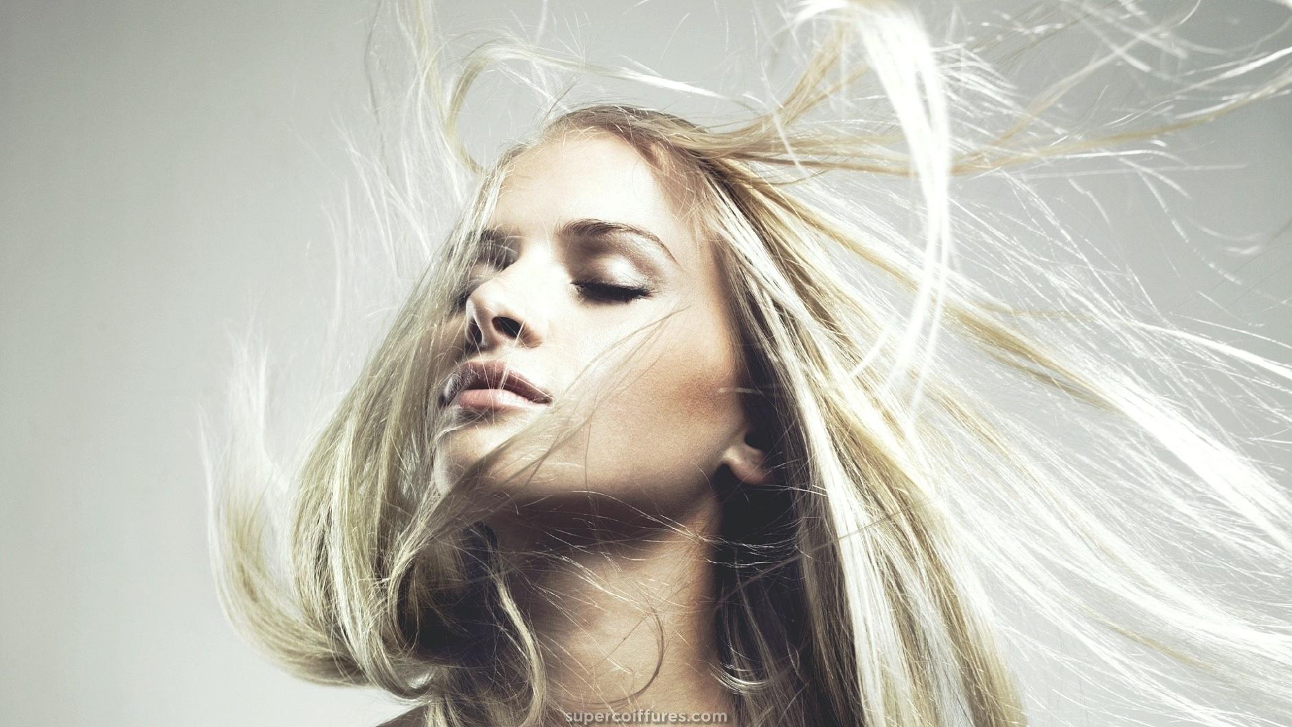 Les coupes de cheveux des femmes Г la mode ajoutent du volume
