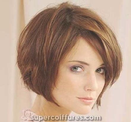 Coupes de cheveux courtes élégantes pour les cheveux épais