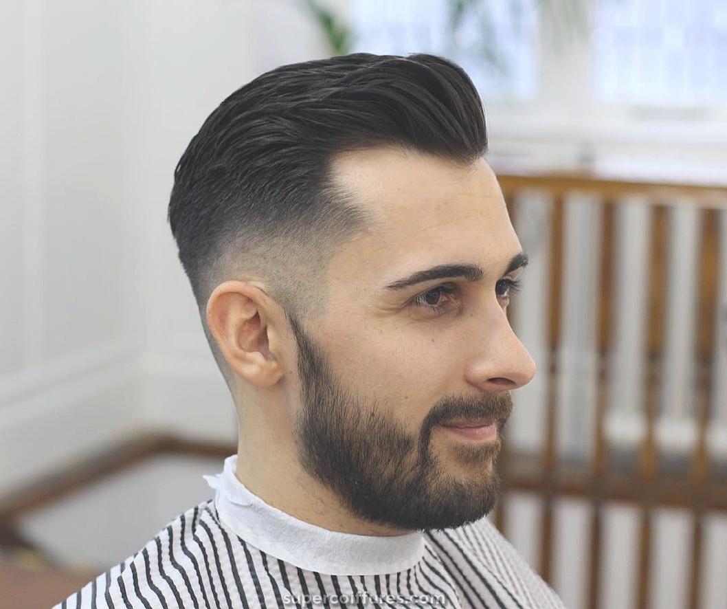 15 coiffures pour hommes pour une ligne de front en retrait