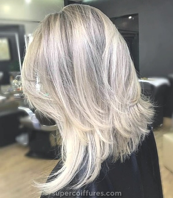 100 coiffures courtes pour les cheveux épais et minces pour 2019