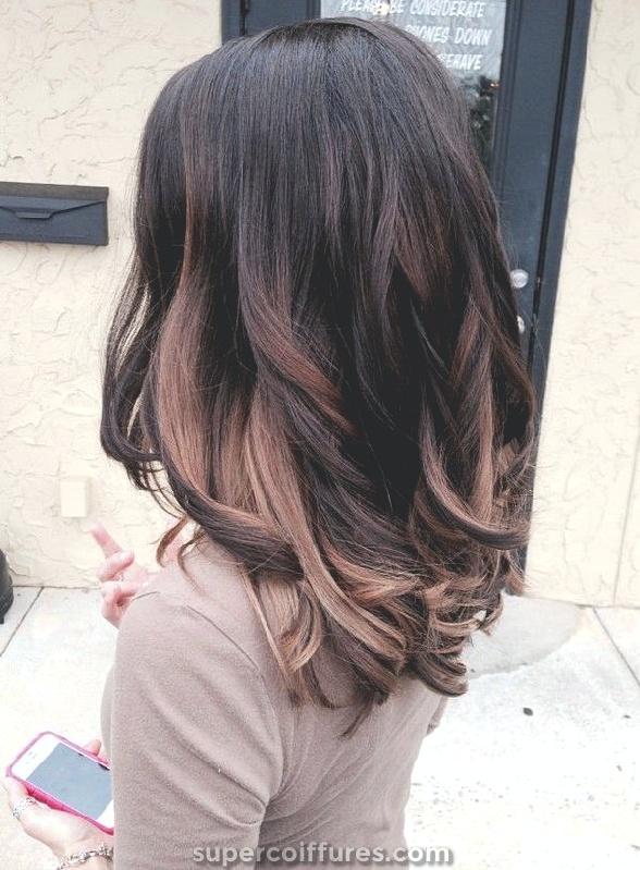 Varredura bonita castanha clara para cabelo escuro