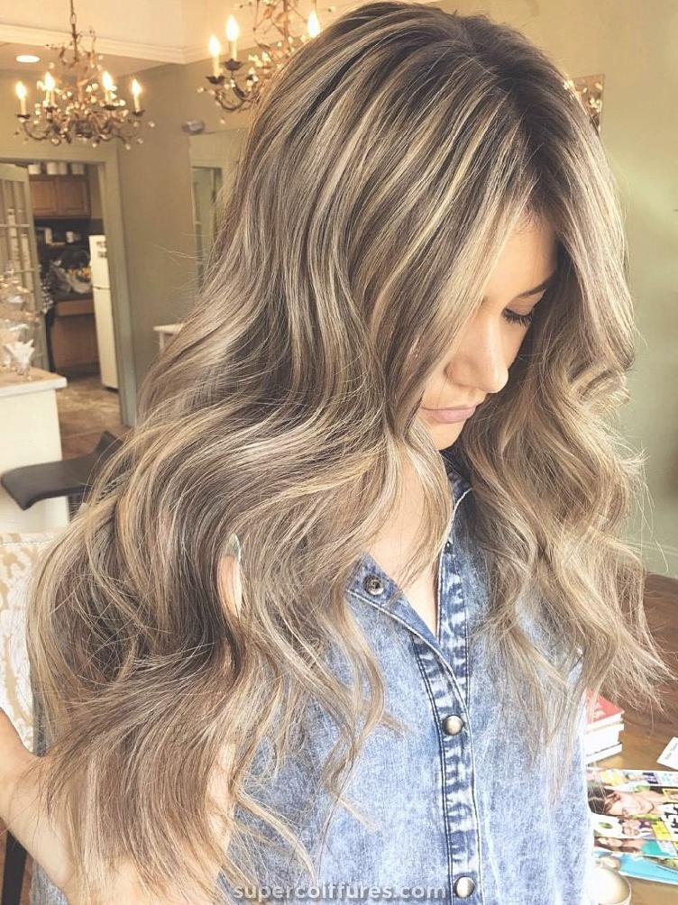 30 couleur de cheveux brun clair pour look cool et charmant