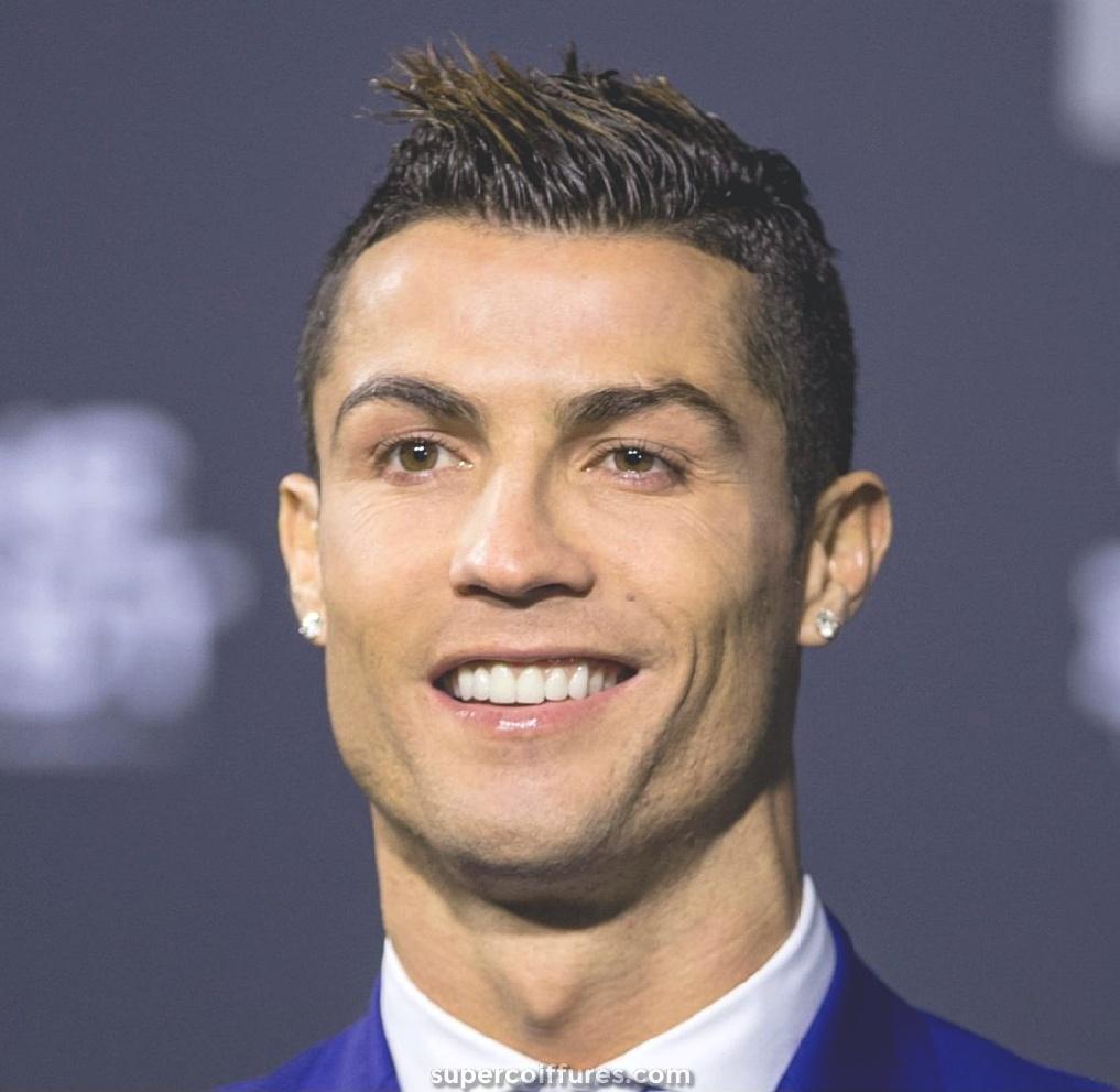 18 idées de coupe de cheveux de Cristiano Ronaldo pour votre inspiration