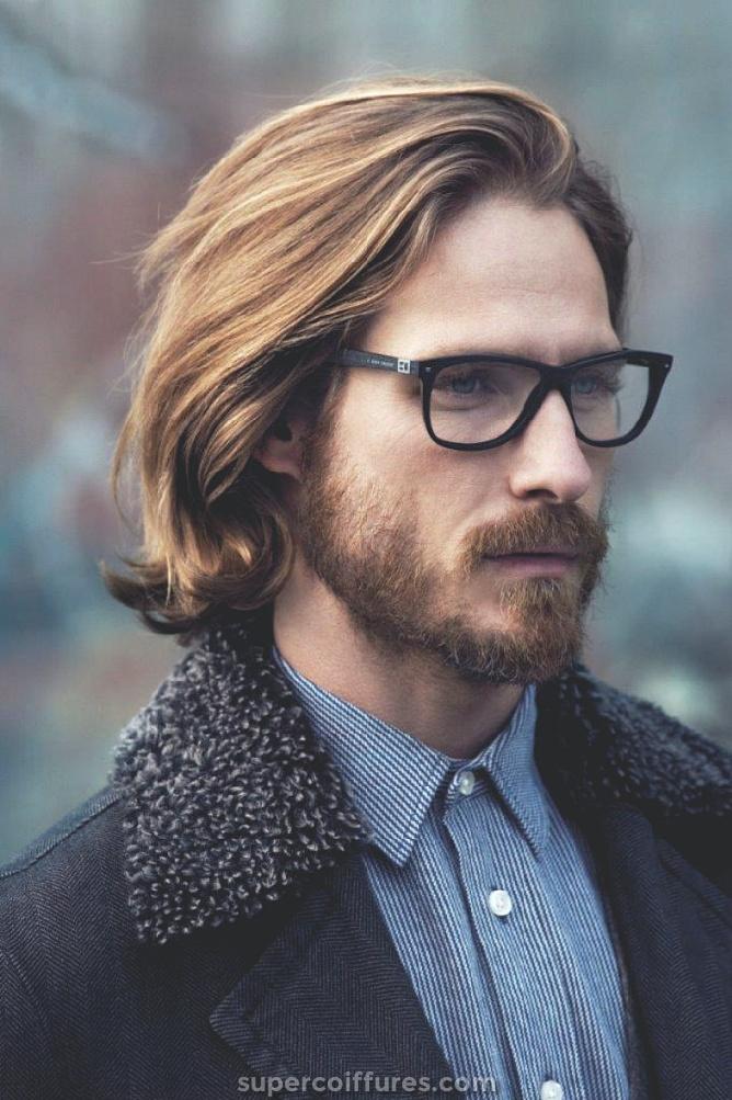 22 coiffures pour hommes avec des lunettes pour un look cool et élégant