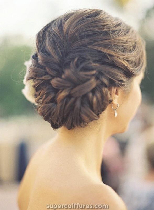 22 Updos Bun les plus attractifs pour les femmes magnifiques