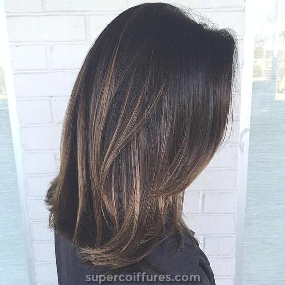 Sweep castanho claro para cabelos escuros
