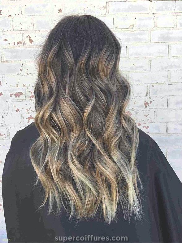 Balayage castanha clara para cabelos escuros