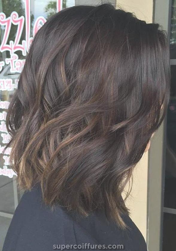 Balayage castanho claro para cabelo escuro